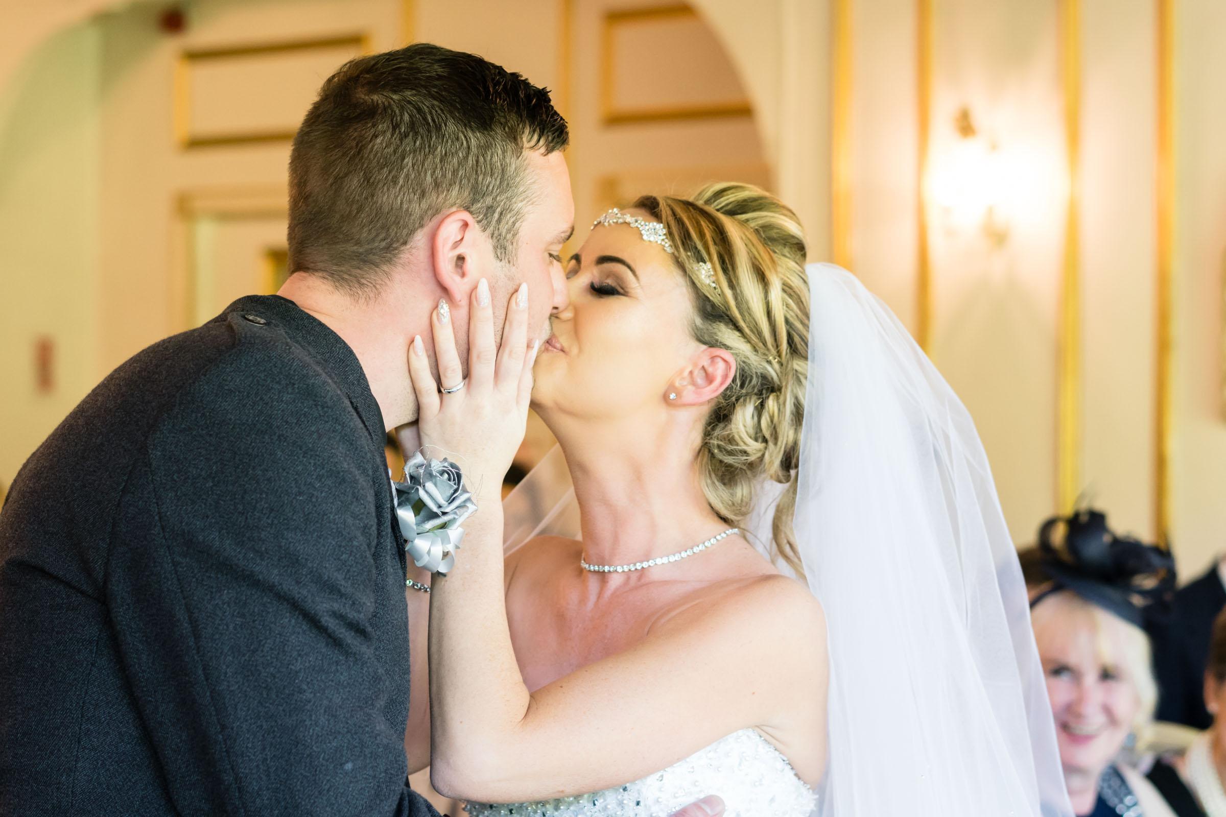 dalmeny-park-glasgow-wedding-dearlyphotography (6 of 16).jpg
