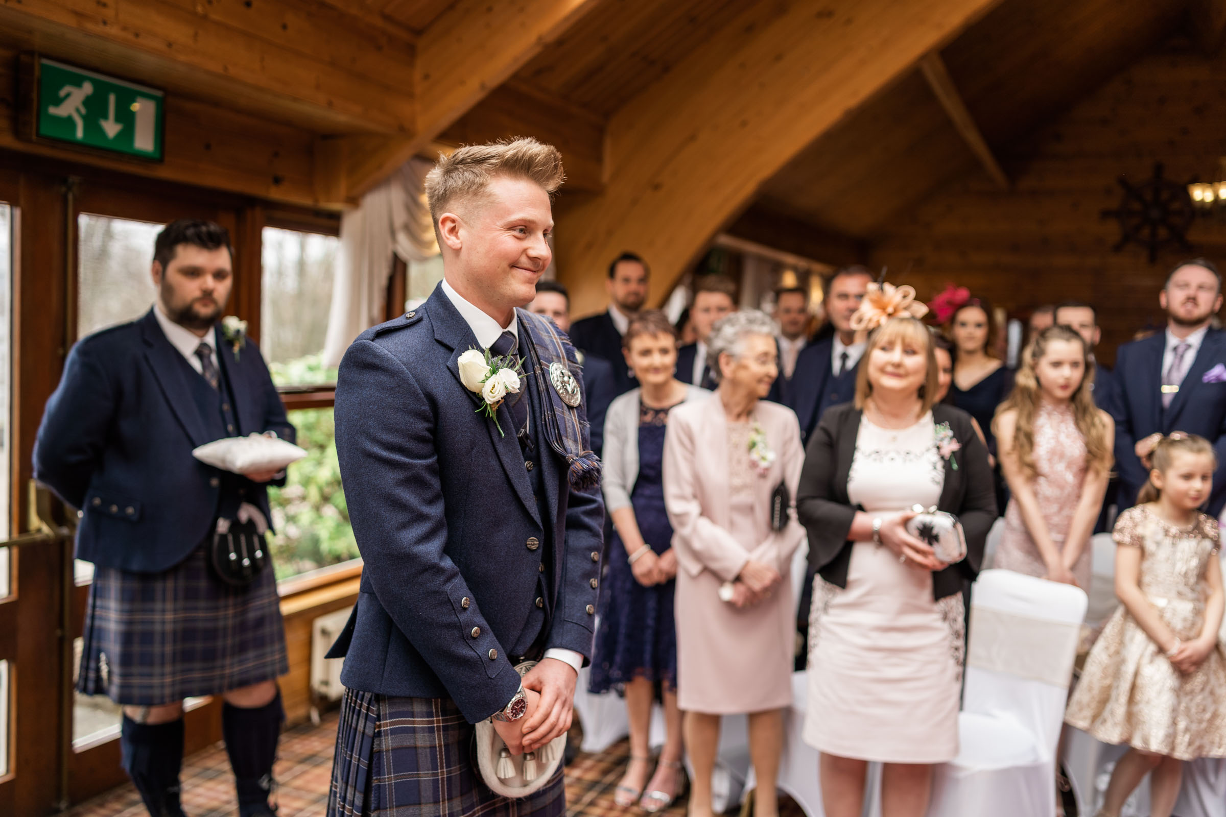 scottish-loch-lomond-wedding-photography-dearlyphotography (30 of 59).jpg