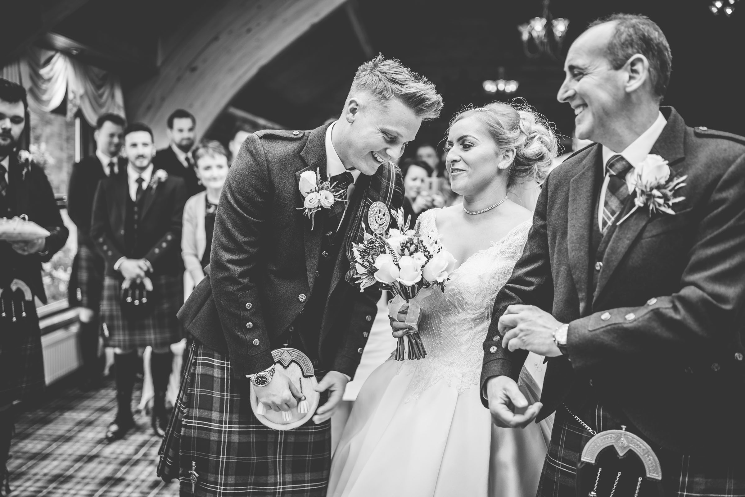 scottish-loch-lomond-wedding-photography-dearlyphotography (32 of 59).jpg