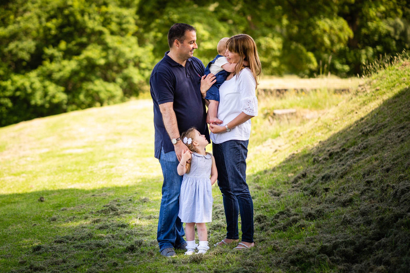 walker-family-session-bothwell-castle-glasgow-dearlyphotography (31 of 31).jpg