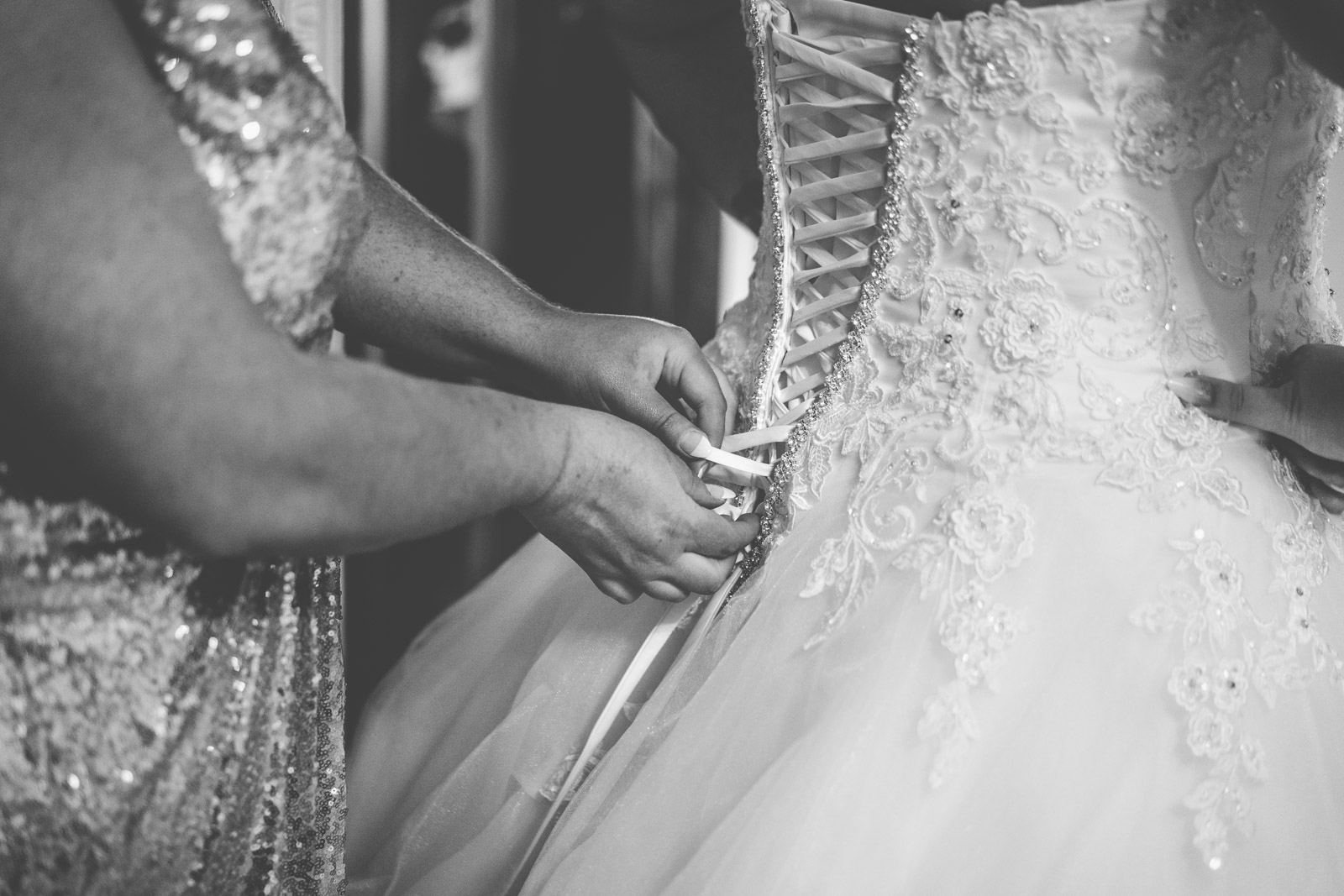 dunblane-hydro-cathedral-wedding-stirlingshire-dearlyphotography (17 of 108).jpg