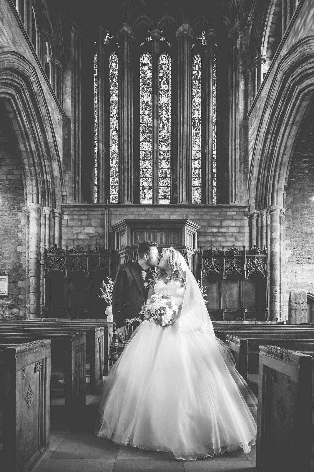 dunblane-hydro-cathedral-wedding-stirlingshire-dearlyphotography (61 of 108).jpg