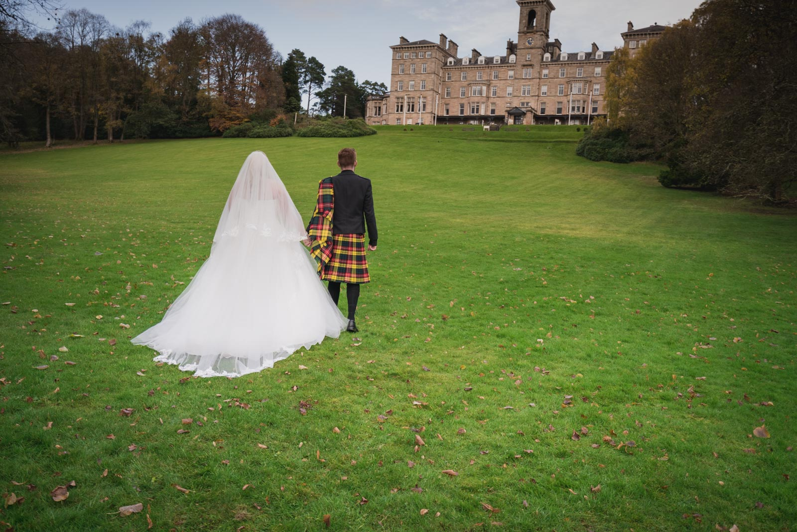 dunblane-hydro-cathedral-wedding-stirlingshire-dearlyphotography (67 of 108).jpg