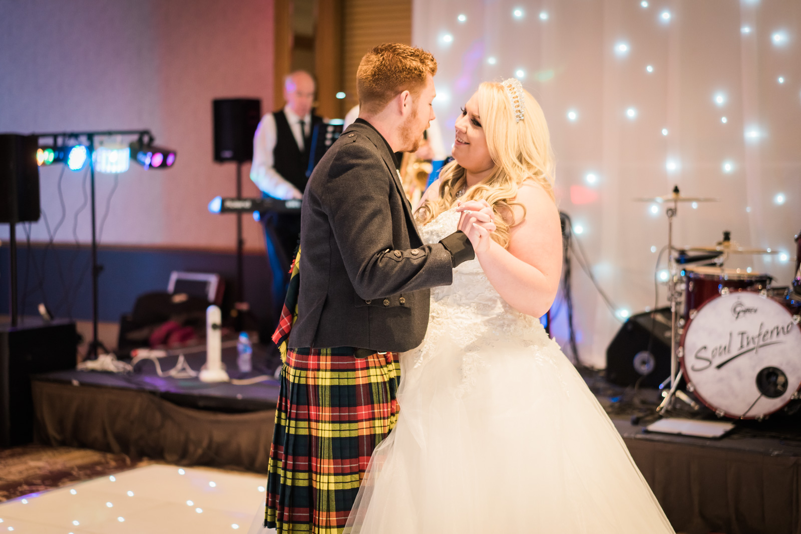 dunblane-hydro-cathedral-wedding-stirlingshire-dearlyphotography (95 of 108).jpg