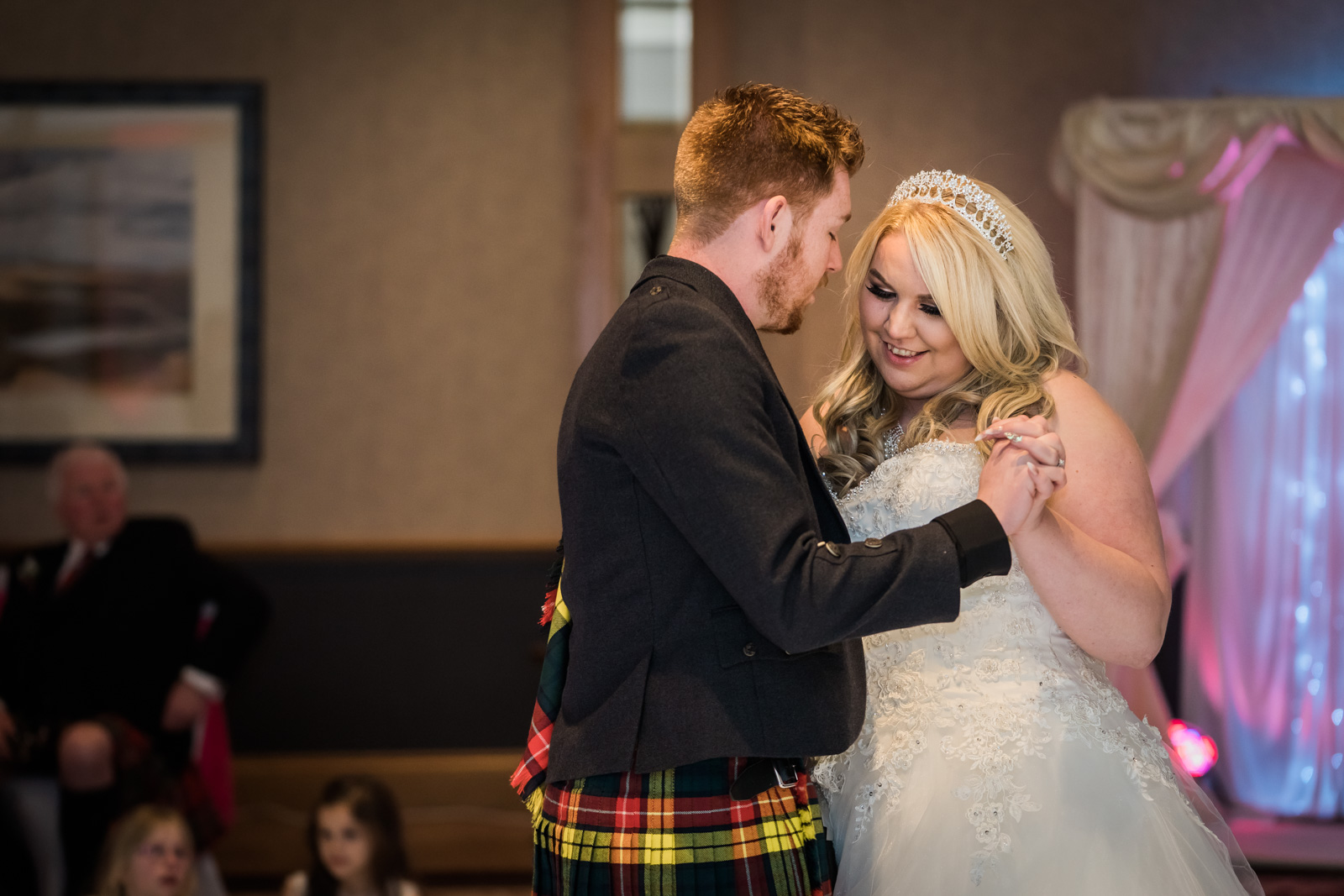 dunblane-hydro-cathedral-wedding-stirlingshire-dearlyphotography (98 of 108).jpg