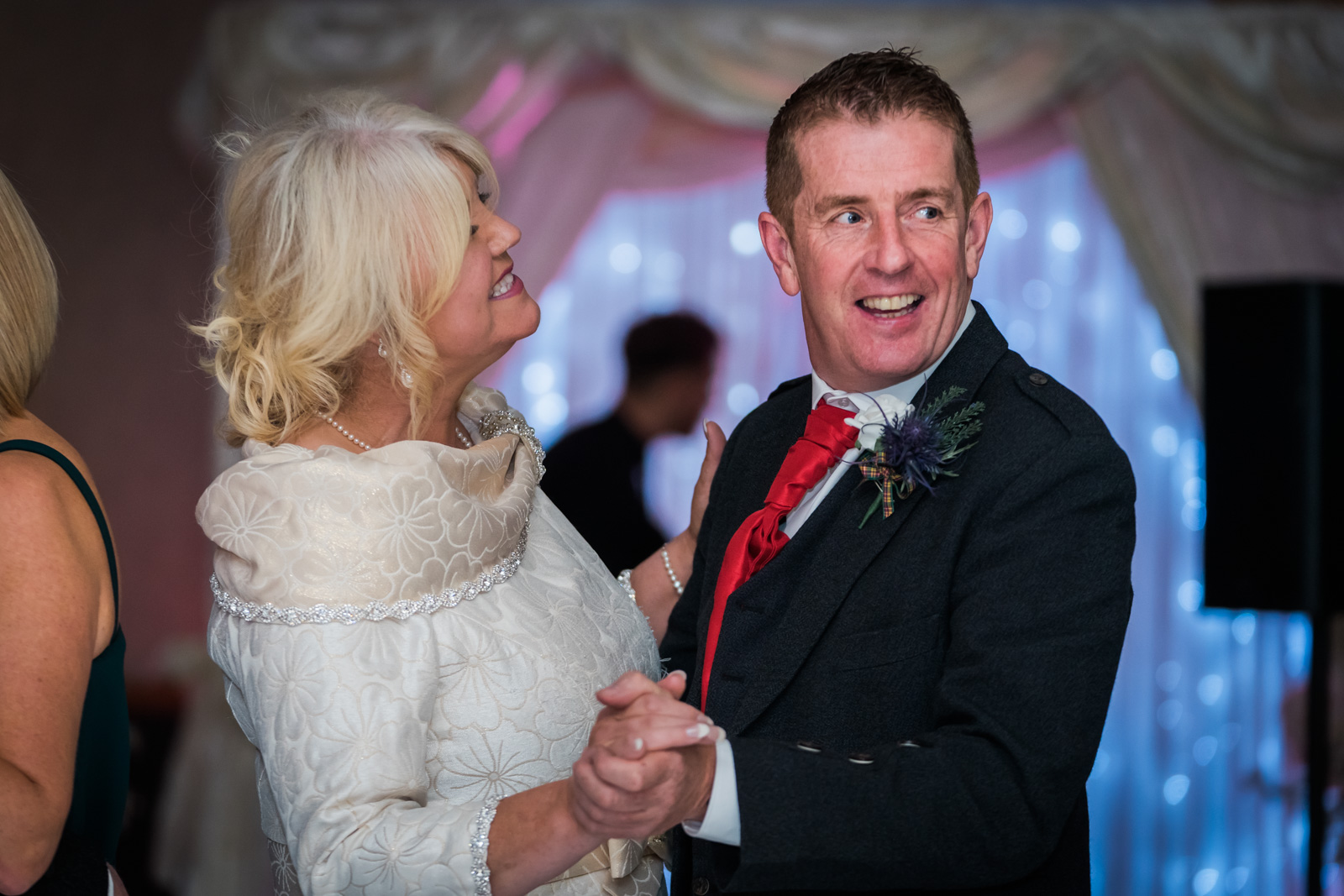 dunblane-hydro-cathedral-wedding-stirlingshire-dearlyphotography (100 of 108).jpg