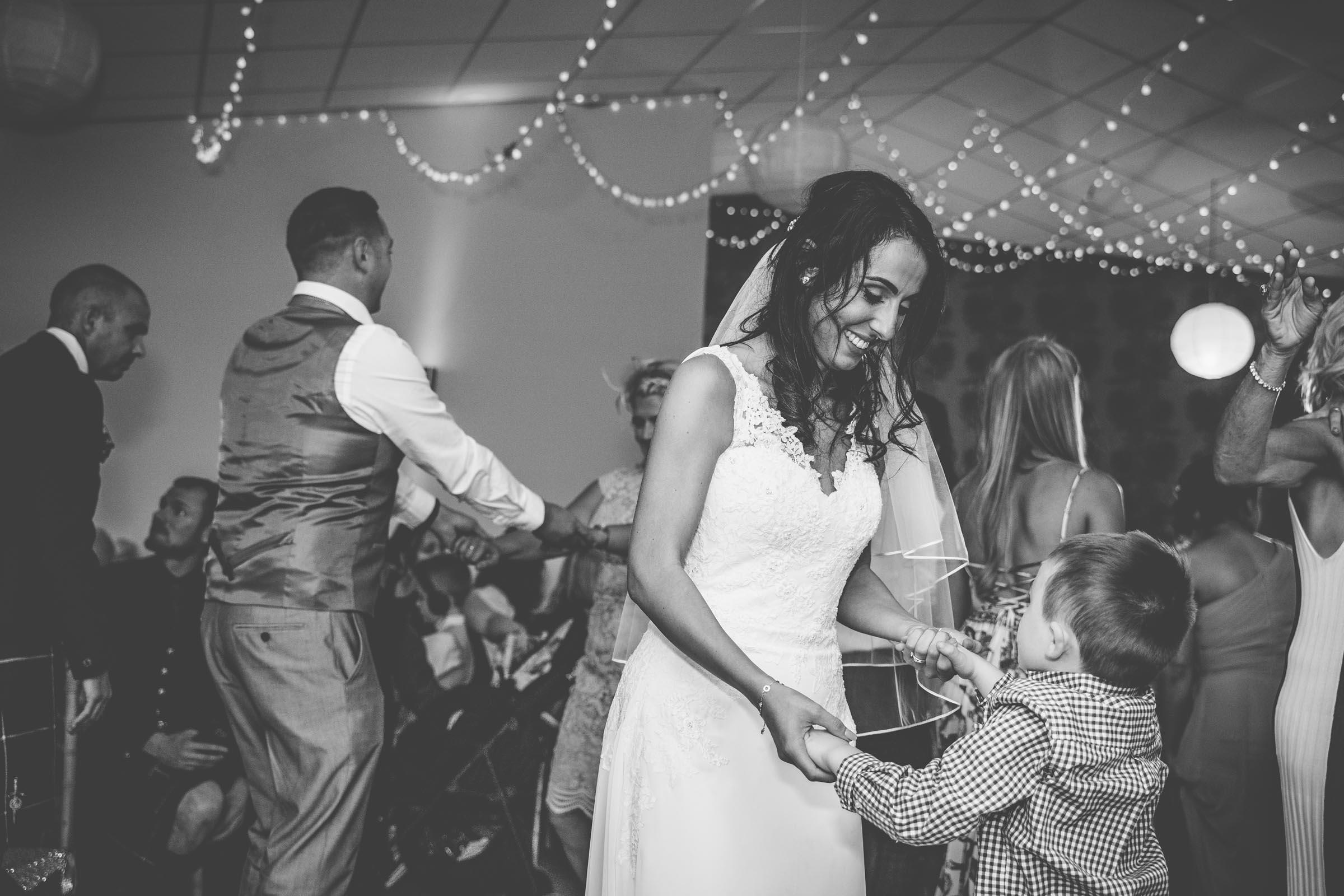 loch_lomond_waterfront_wedding_dearlyphotography (102 of 103).jpg