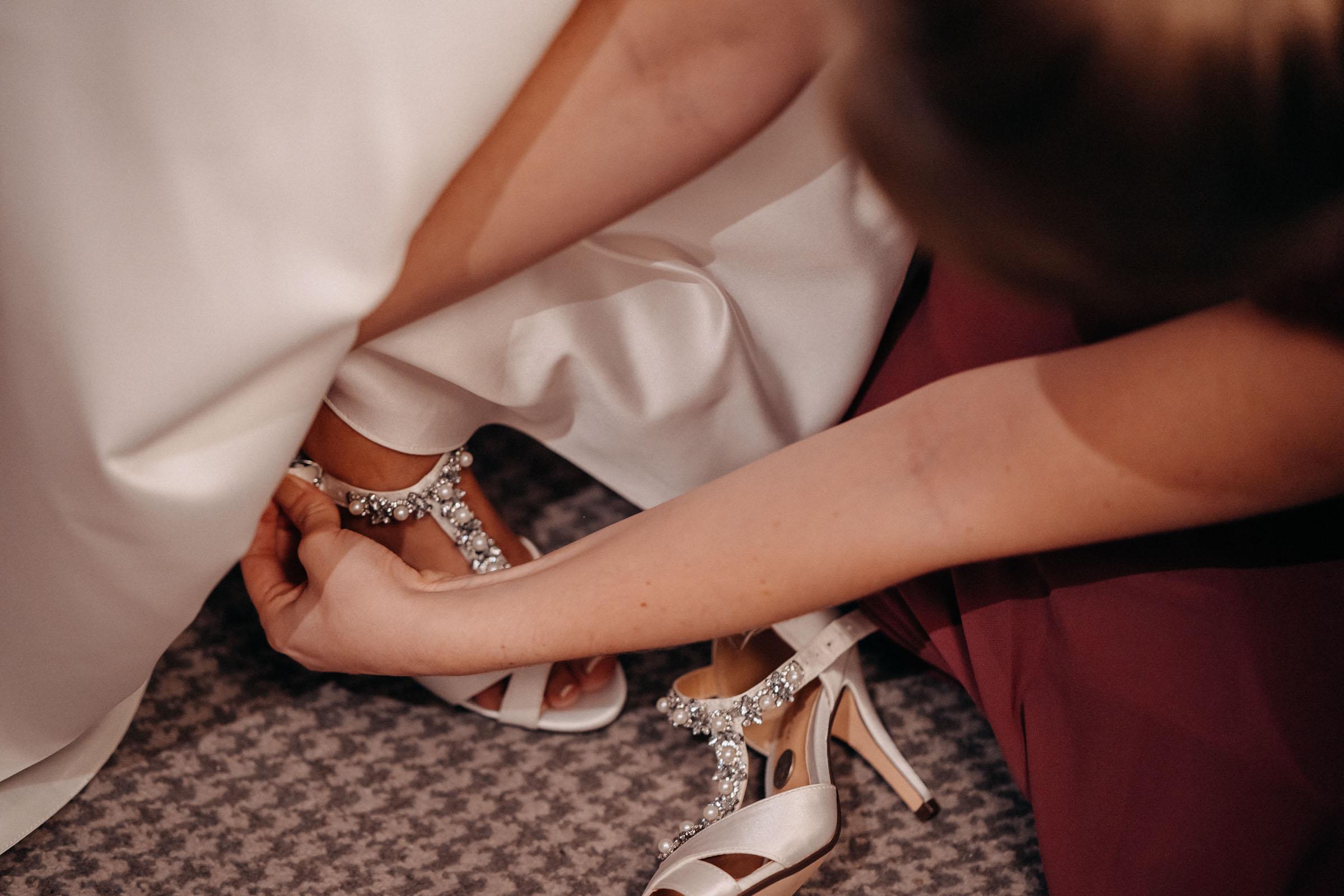 brisbane-house-hotel-wedding-largs-dearly-photography (24 of 94).jpg