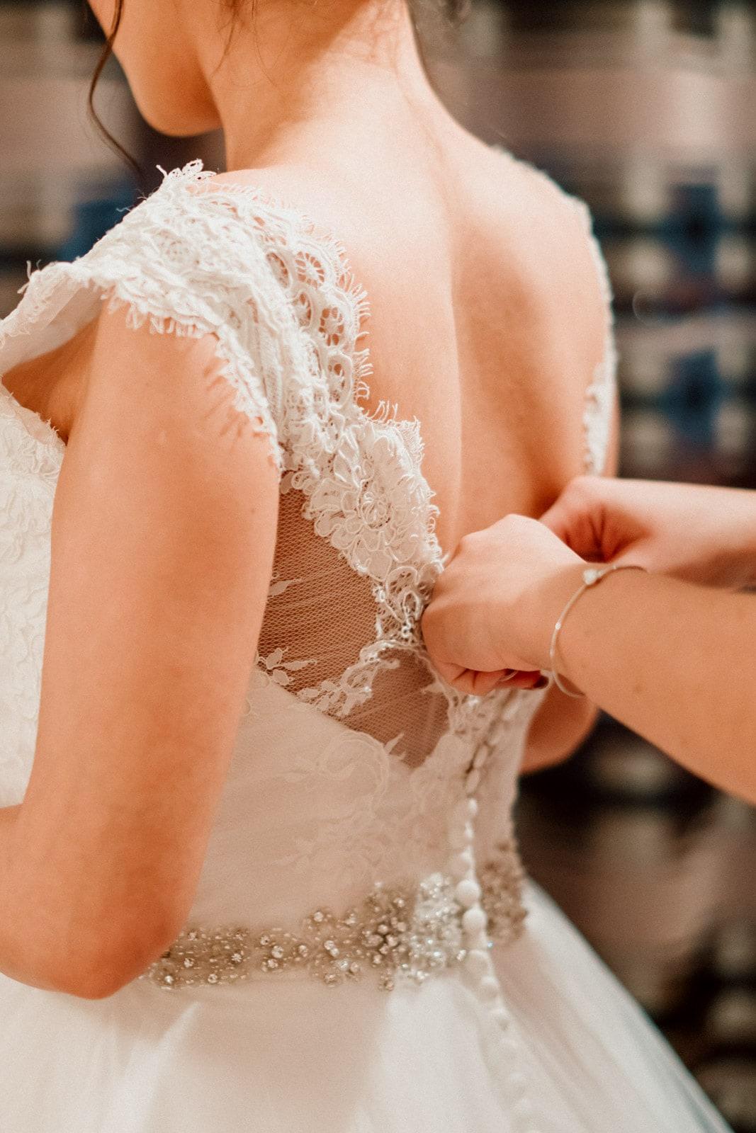 Oran-Mor-Wedding-Photographer-DearlyPhotography (7 of 55).jpg