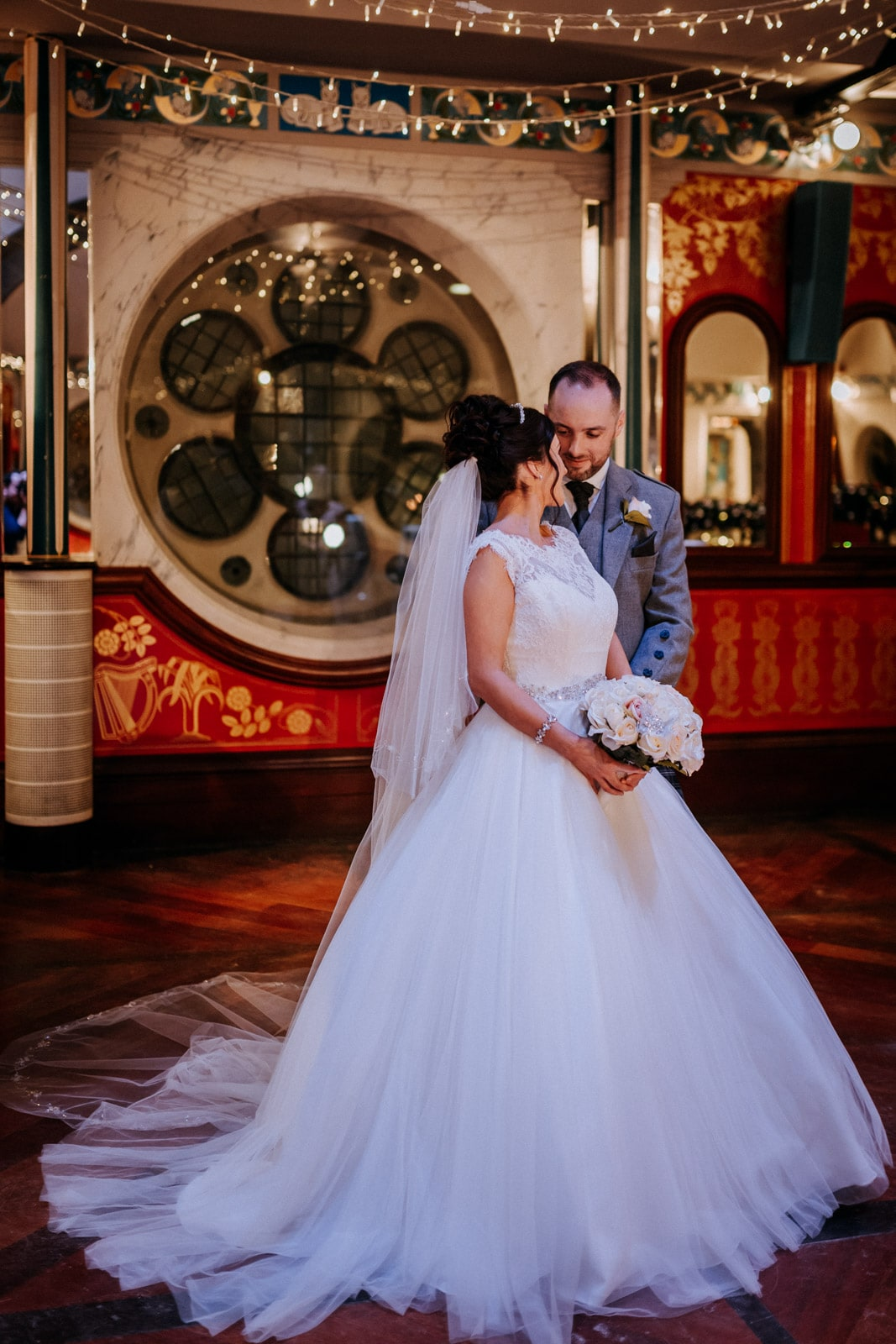 Oran-Mor-Wedding-Photographer-DearlyPhotography (29 of 55).jpg