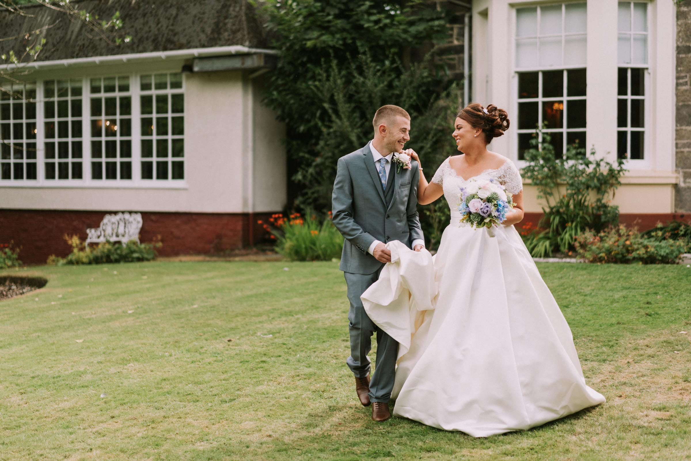 Dalmeny-Park-Glasgow-Wedding-Dearly-Photography-Scotland (37 of 75).jpg