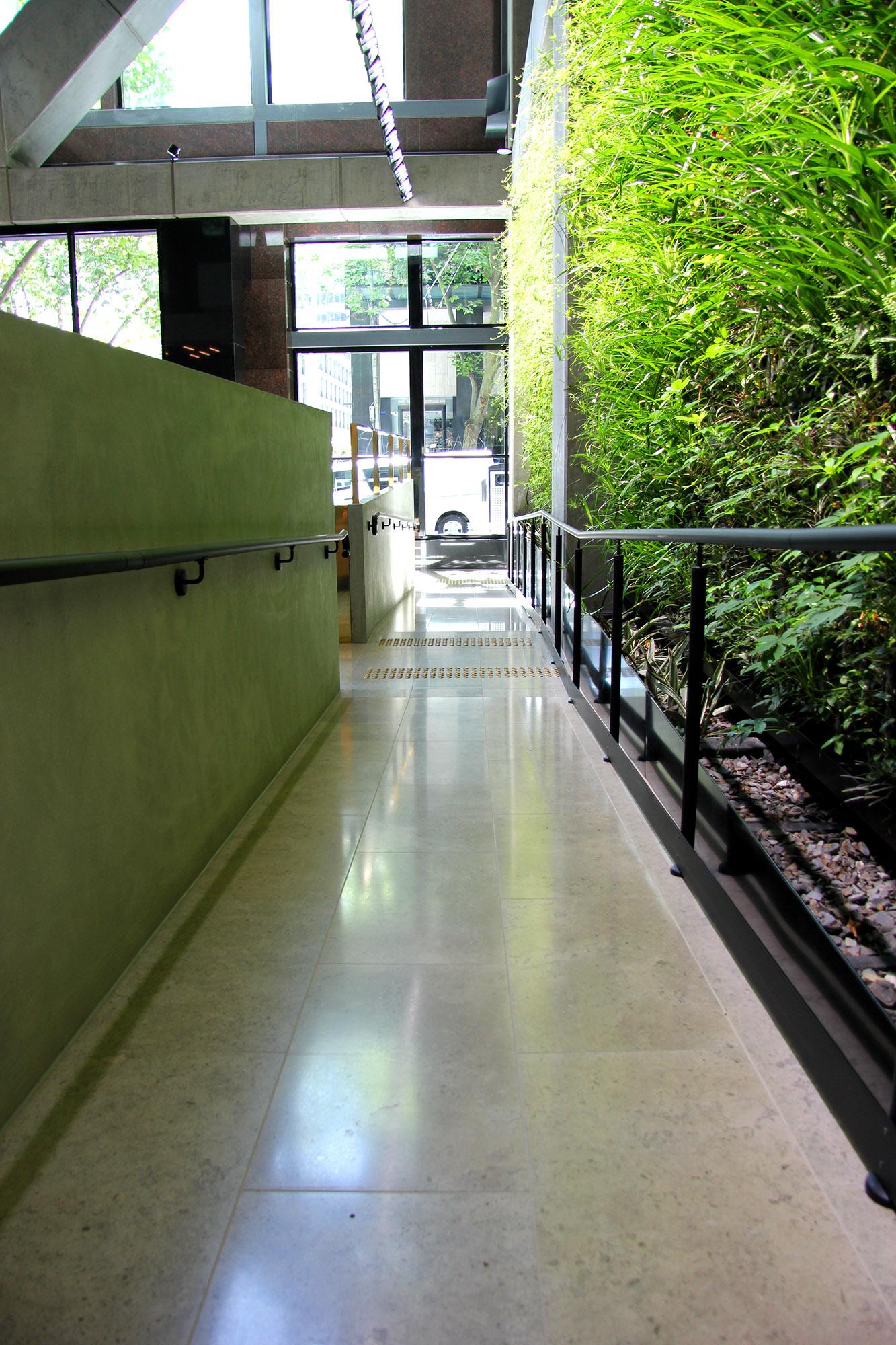 GreenWall Handrail Redut.jpg