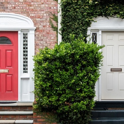 Deciding on Renting🏢 vs. buying🏠? Make sure you understand what makes up both monthly payments before deciding which door to enter 🚪 Click the link in our bio to read more!