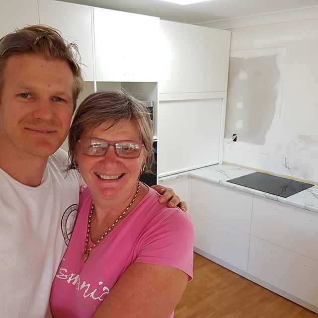 Hey Insta fam! So you've probably been thinkin... Why hasn't Matty been involved in any colabs of late??! But as a matter of fact, colabs are always in the pipeline!  I teamed up with Paradigm Building Group on this project for a very special client.  Yup thats our Mum, and yep we are out in Blackbutt installing today.  The courier just missed us  with the handles so they will go on Monday.