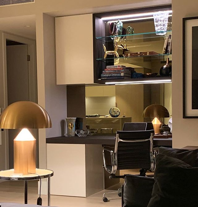 Our client in at #35springstreet is looking to sell his apartment, his agent suggested that if he swap out the  linen press, for a modern lux study the value would go ⬆️. What do you think?  The desk and display cabinets are a veneer from @eltongroup finished with @livosaustralia oil.  Our splashbacks are bronzed mirror.
