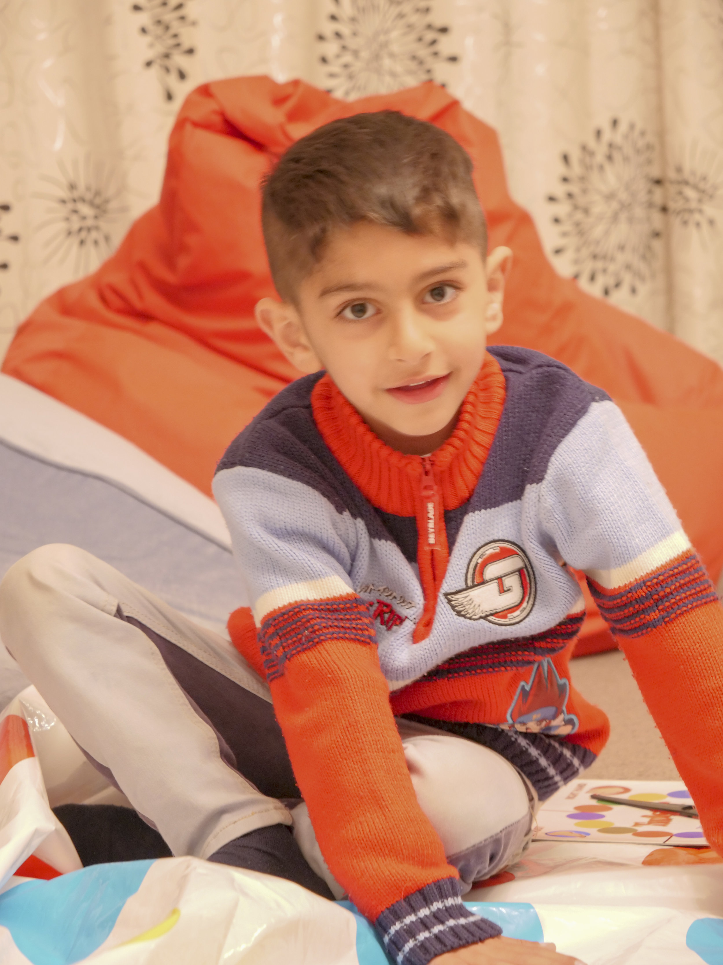 Refugee and sponsor kids 4.jpg