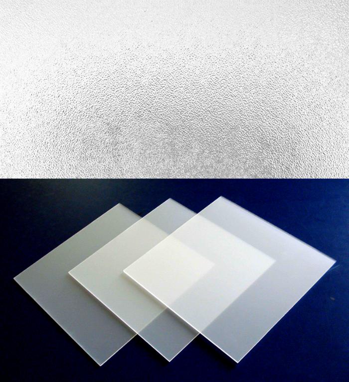 毛玻璃(上)与半透明亚克力板(下)实物对比