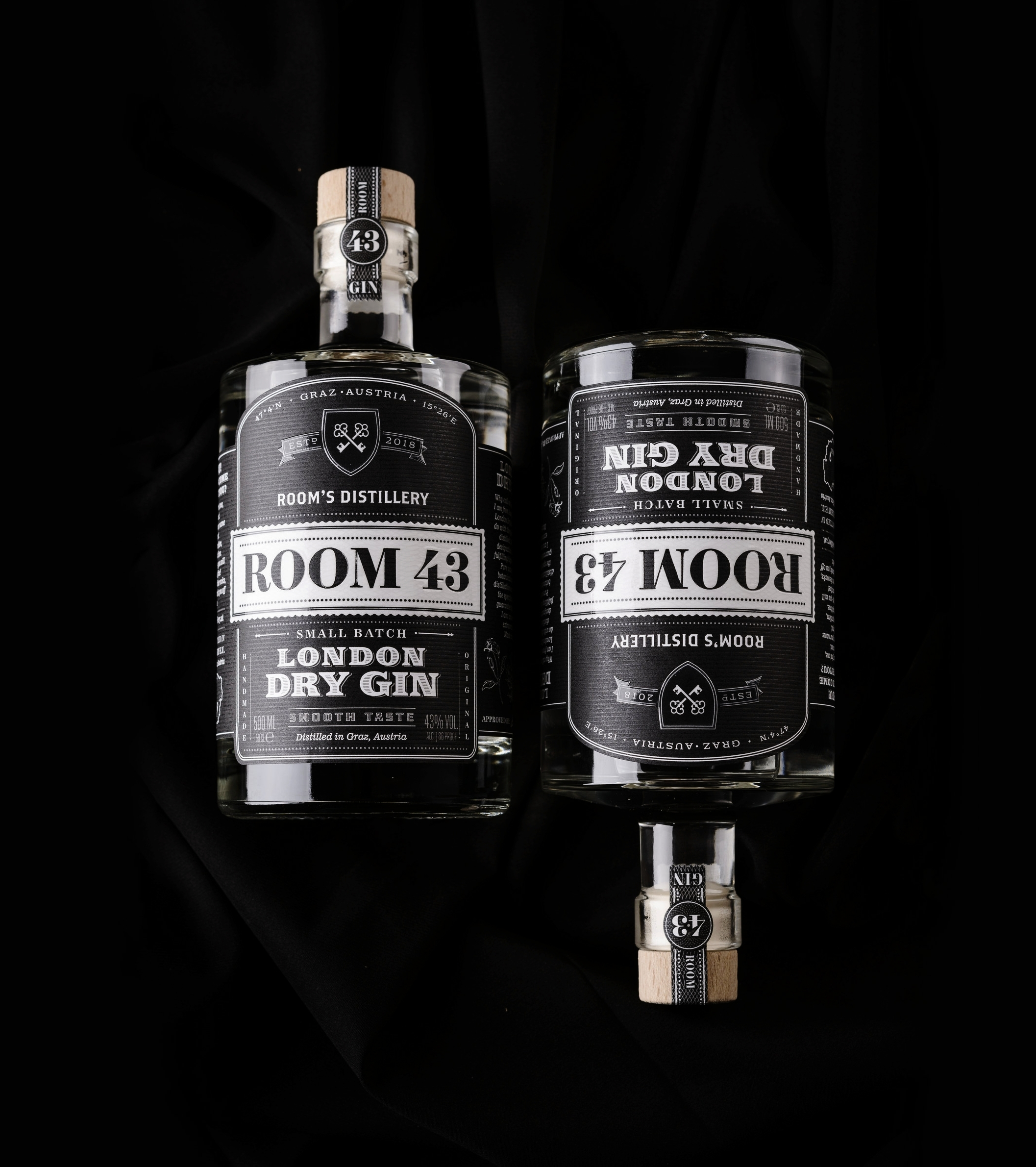 Let's turn the Gin World upside down ... - ROOM 43 blazes a trail far from mainstream products. The unique symbiosis of flavours that makes our ROOM 43 so special is -and will always be - our secret, but there is one thing we are ready to tell you, the botanicals we use can be counted on the fingers of both of your hands. This is because we want our flavours intense and recognisable and not a blend of numerous unspecified tastes.