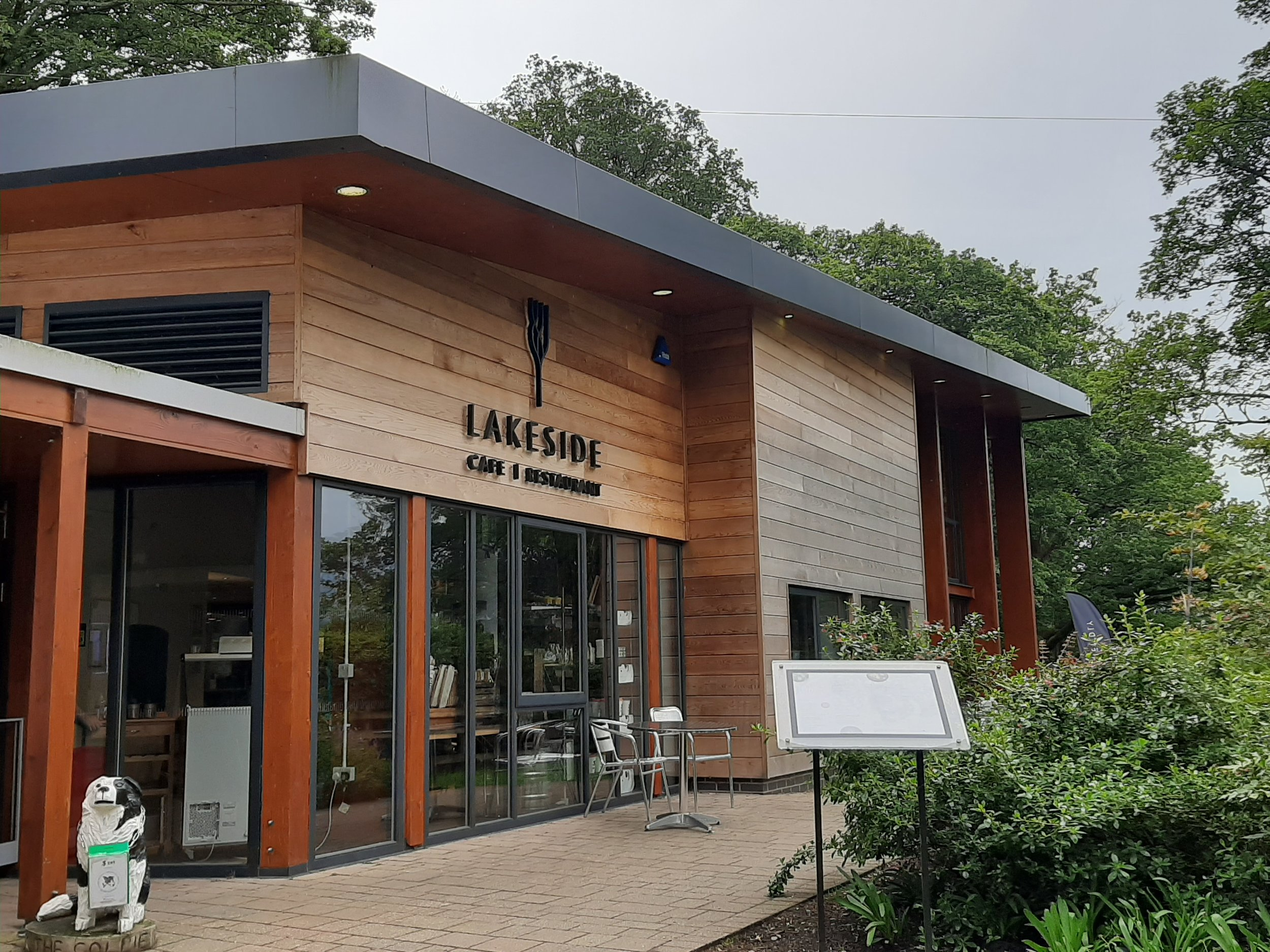 Lakeside Cafe and Restaurant   Lakeside Café & Restaurant is perched between the theatre and Derwentwater. Lofty, light and airy, its large windows give spectacular views across the lake to Catbells and beyond. It's the perfect setting for breakfast, lunch, coffee and cake or dinner before a show, whether you are seeing a show, or have just stopped by on impulse. Opening hours: 9.00am. Last orders at 8.30pm.  Theatre by the Lake, Lakeside, Keswick, Cumbria CA12 5DJ