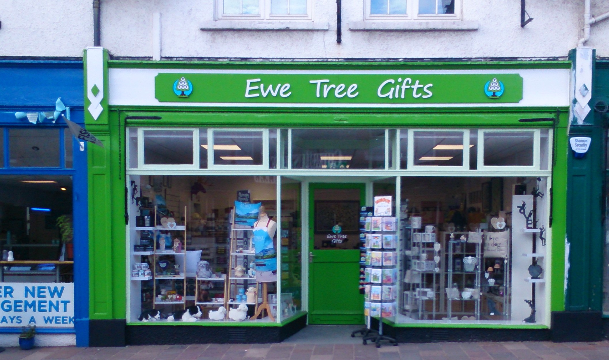Ewe Tree Gifts   We have a fine selection of gifts for most occasions. There is a variety of contemporary art, jewellery, scarves, bags and quirky pottery. Derwentwater is the heart of Keswick and to celebrate that a modern retro design has been chosen for a range of souvenir items including mugs, coasters, fridge magnets and cushions. Our shop, which has been totally refurbished, is bright, light and airy with a fusion of fragrances from scented bath bombs and candles.  9 Bank Street, Keswick, CA12 5DU  017687 74652