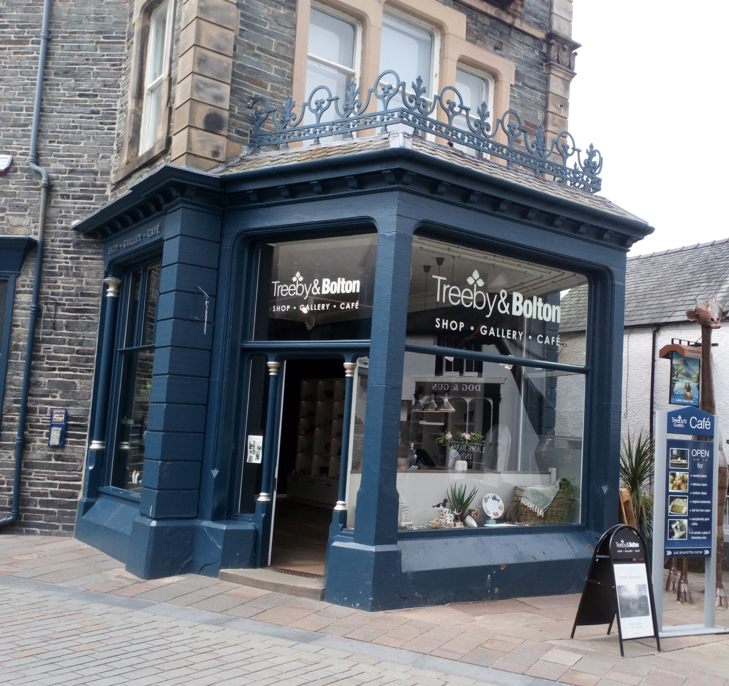 Treeby and Bolton    In this beautiful, contemporary gallery, visitors will find limited edition and original art and sculptures alongside art glass, bronze and interior accessories. Treeby & Bolton's ever-changing programme of exhibitions offers an eclectic selection of art from a diverse portfolio of leading artists. Downstairs from the gallery, customers can relax in the stylish surroundings of Treeby's café for breakfast, craft coffee, light lunches and plenty of homebaked cakes and scones. There is also outside seating for when the sun is shining.  Lake Road, Keswick, CA12 5BX  017687 72443  twitter.com/treebybolton