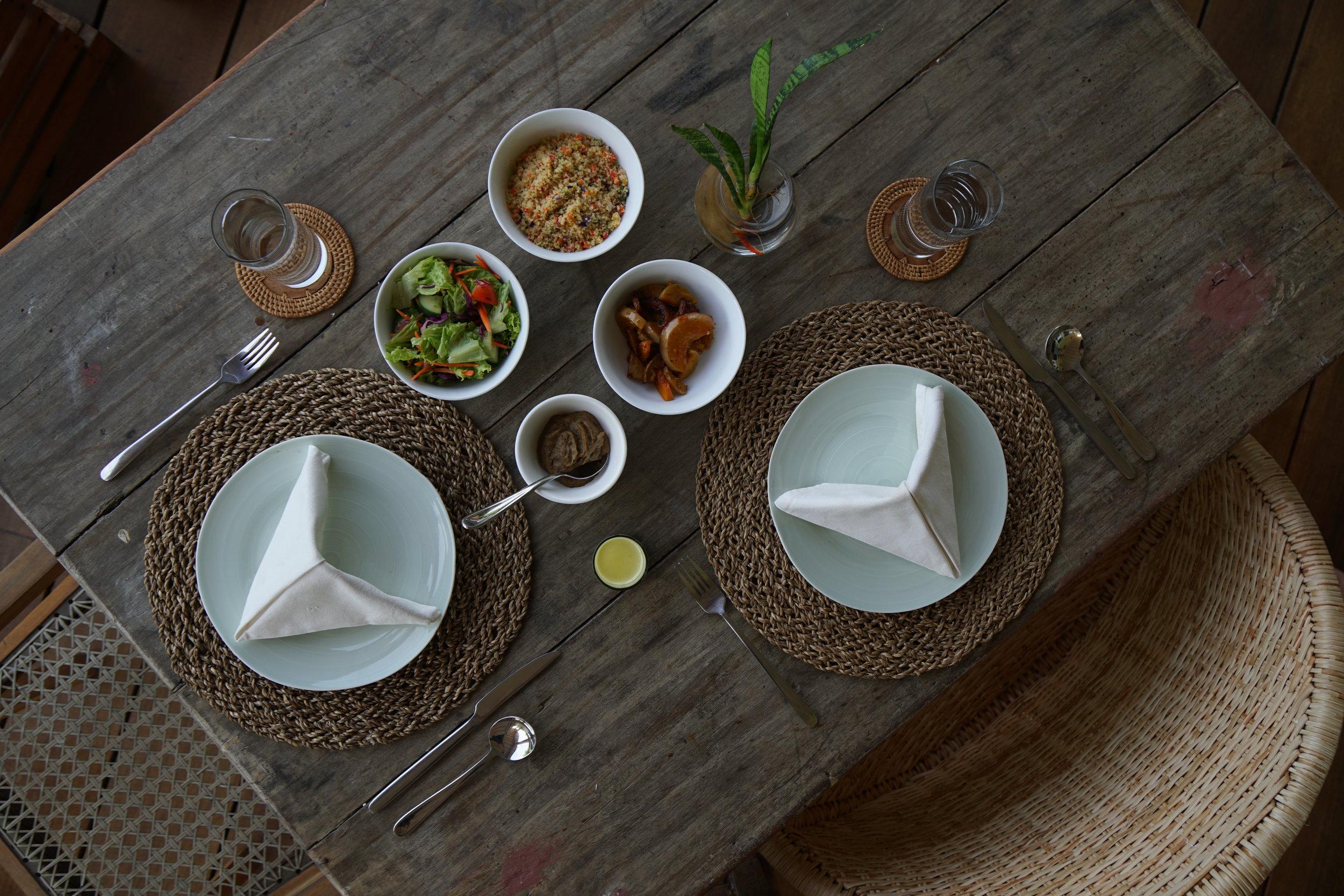lunch sri lankan vegetarian vegan rukgala retreat yoga meditation rejuvination