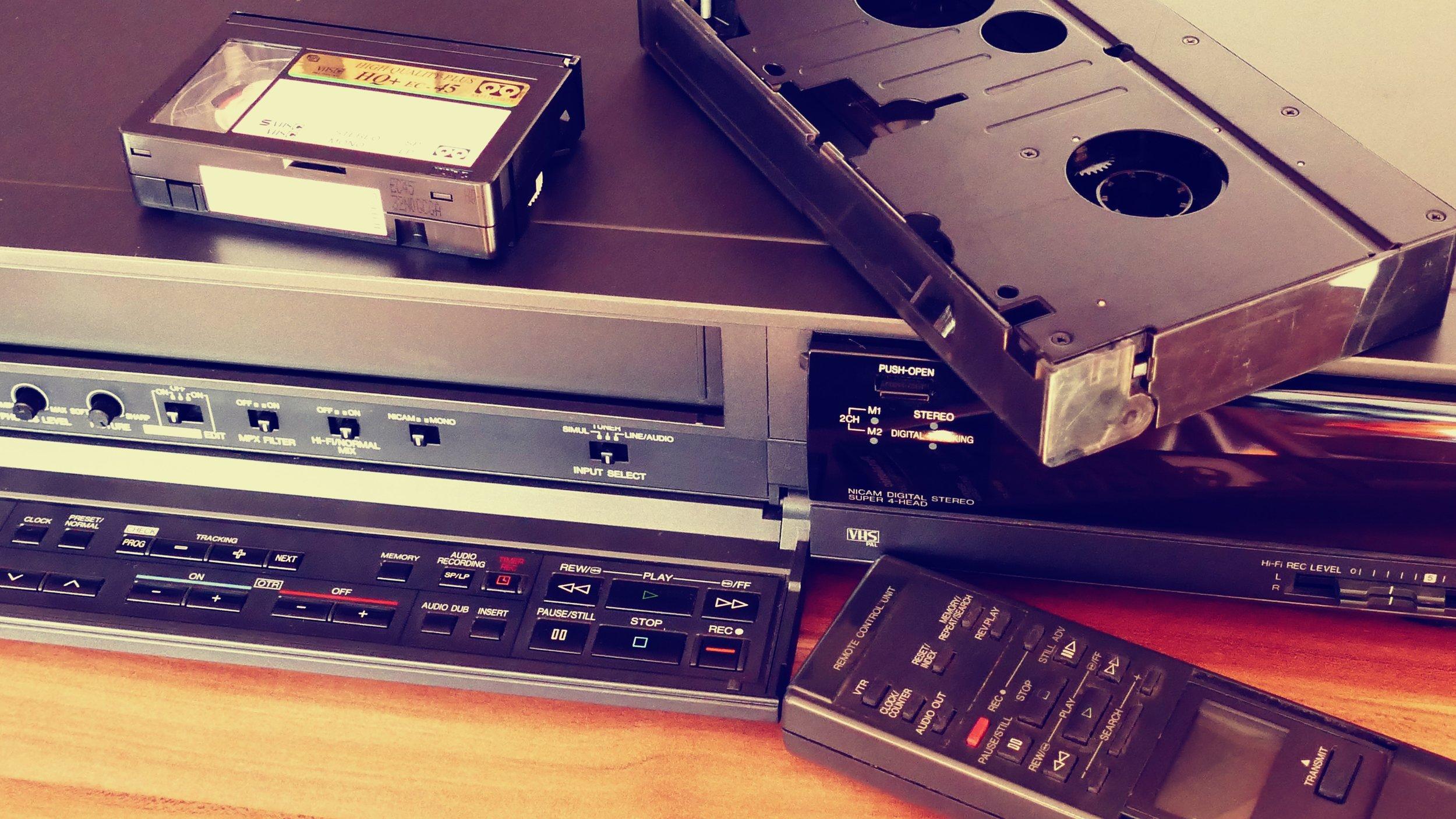 classic-phonograph-record-retro-157540.jpg