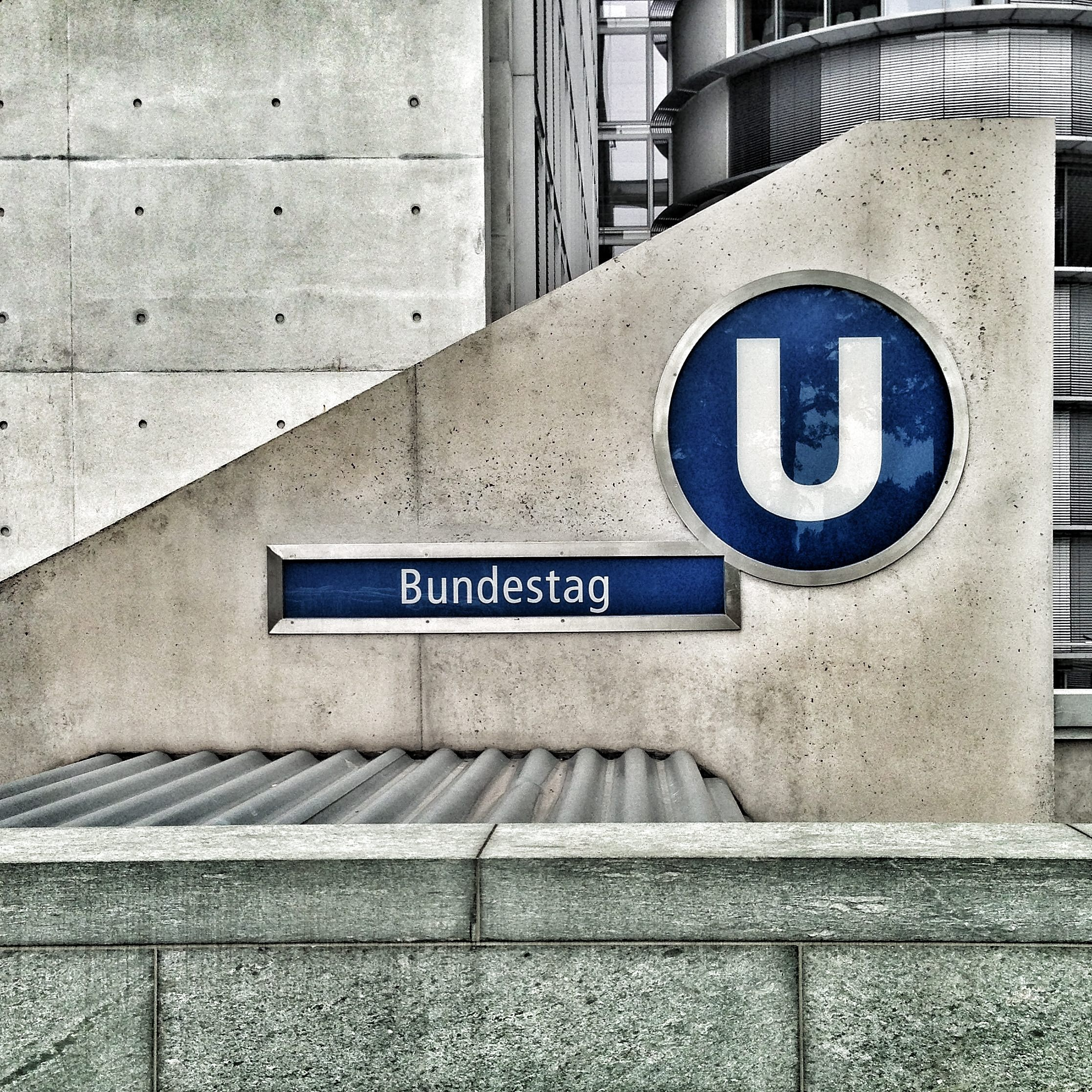architecture-berlin-building-64154.jpg