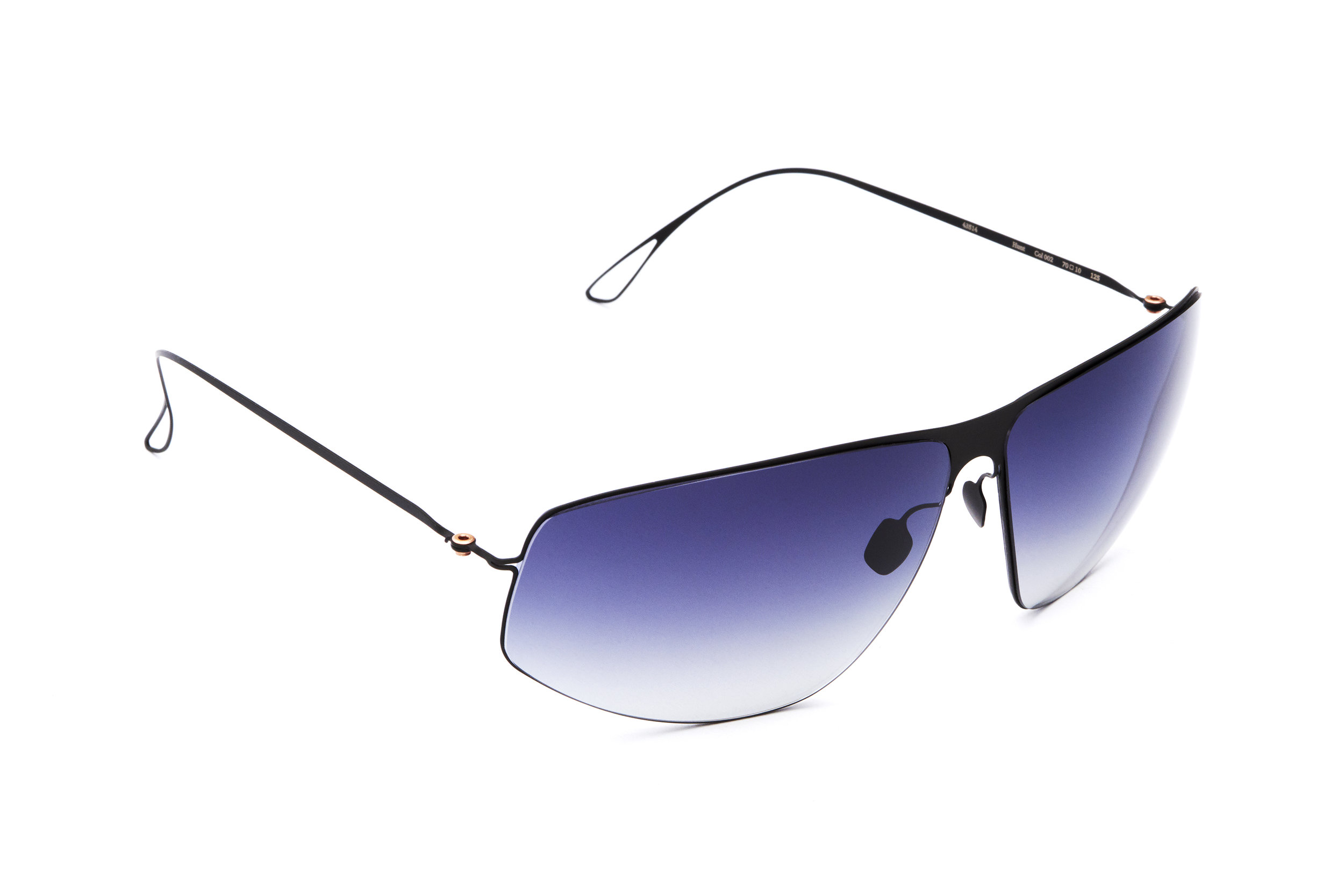 haffmans_neumeister_hunt_black_tempest_gradient_ultralight_sunglasses_angle_102479.jpg