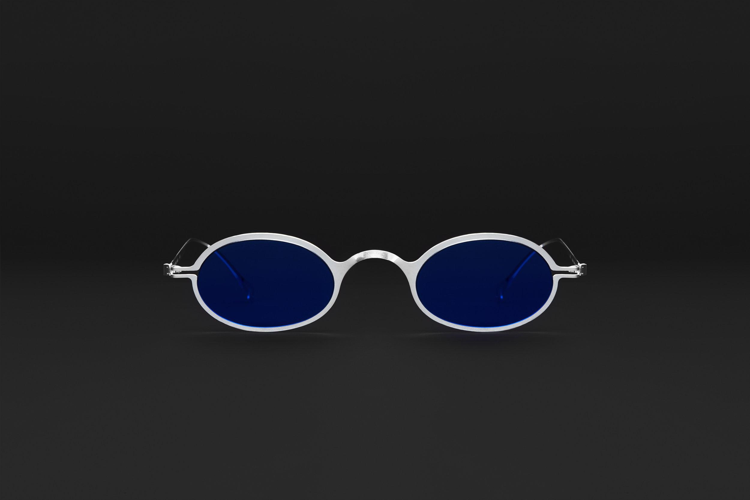 haffmans_neumeister_absinthe_argentum_litmus_blue_phasmid_sunglasses_front_102221.jpg