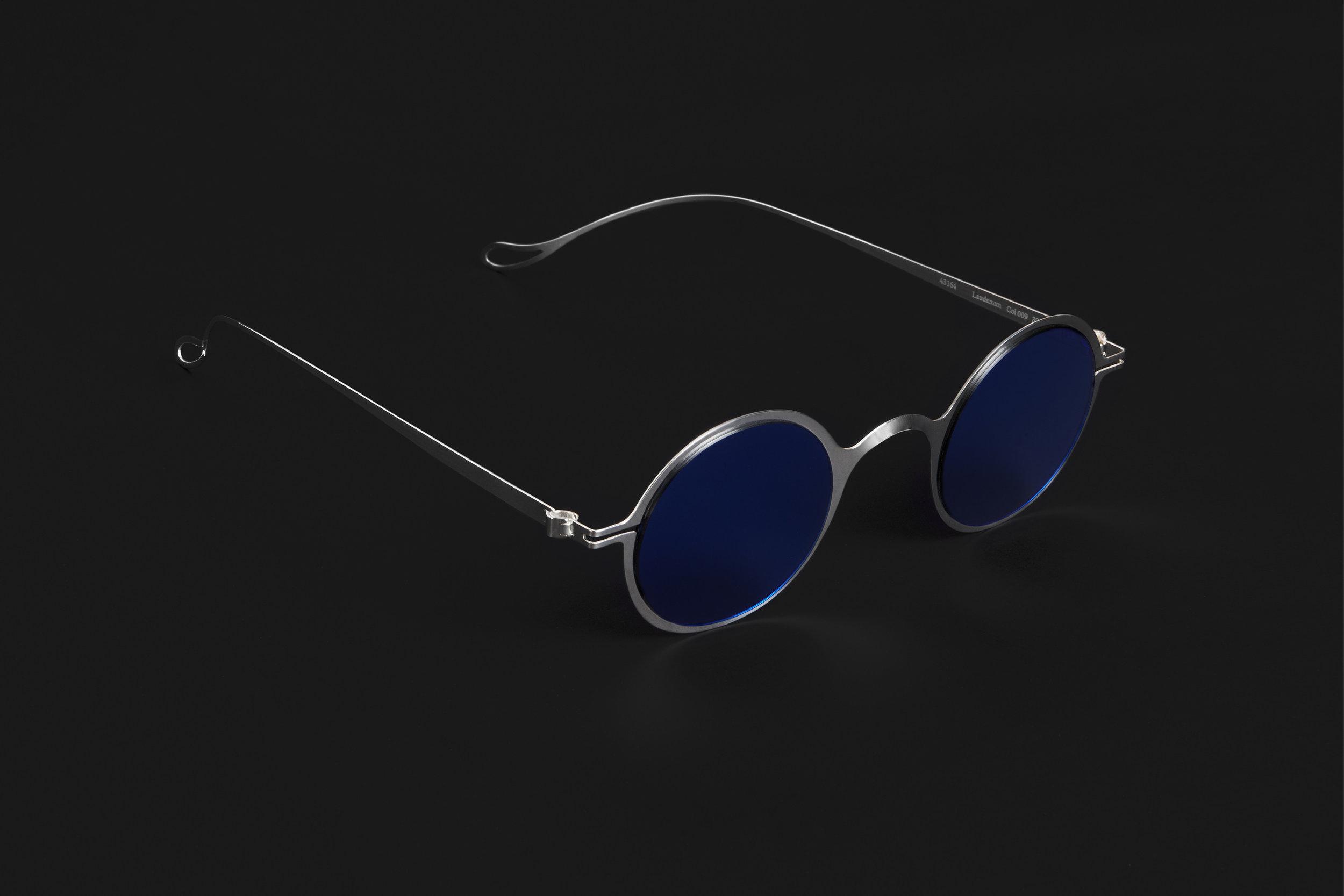 haffmans_neumeister_laudanum_argentum_litmus_blue_phasmid_sunglasses_angle_102224.jpg