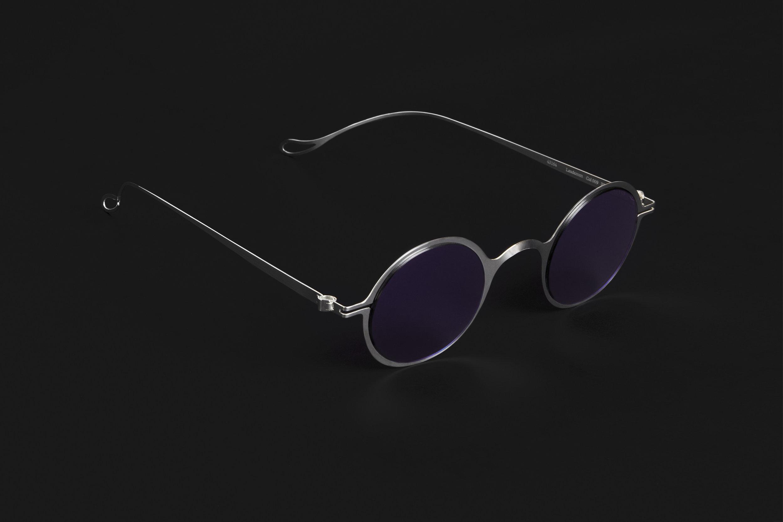 haffmans_neumeister_laudanum_argentum_potassium_violet_phasmid_sunglasses_angle_102223.jpg