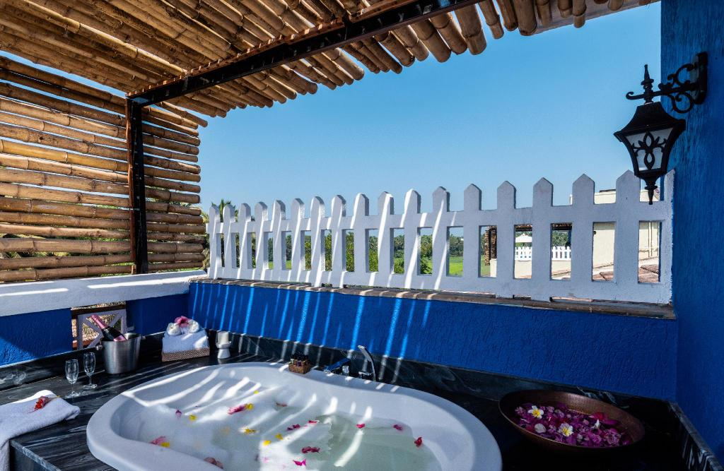 Private jacuzzi at Beleza By The Beach Resort, Goa, India