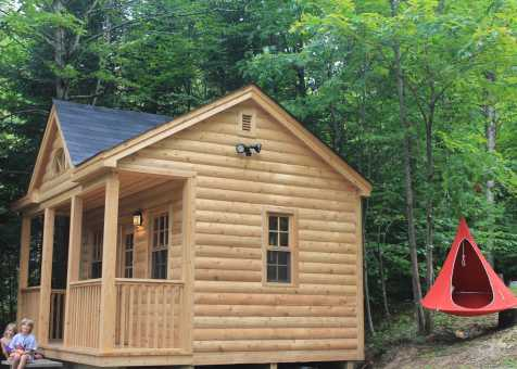 A Canmore tiny house from Combermere, Ontario
