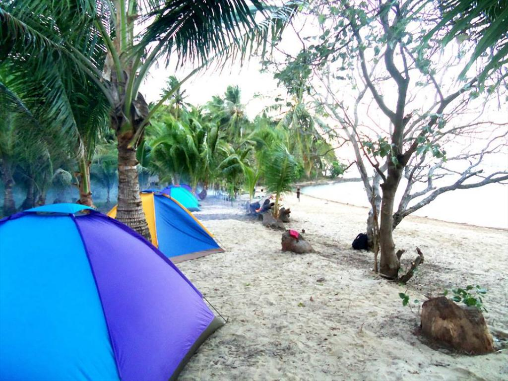 Beach at Bayog Beach Campsite, El Nido, Palawan, Philippines