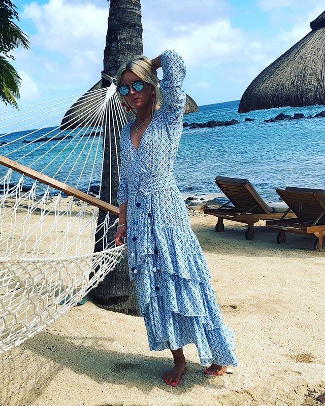 Blue 💙 on Blue 💙 Marais's limited edition lotus print Portofino maxi soaking up the sunshine ☀️ #beachdays #bohemianstyle #summervibes