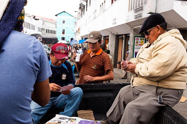 All about cards in Ecuador. . . . #streetphoto #streetphotography #people #life_is_street #lensculturestreets #candid #cardgames #ourstreets