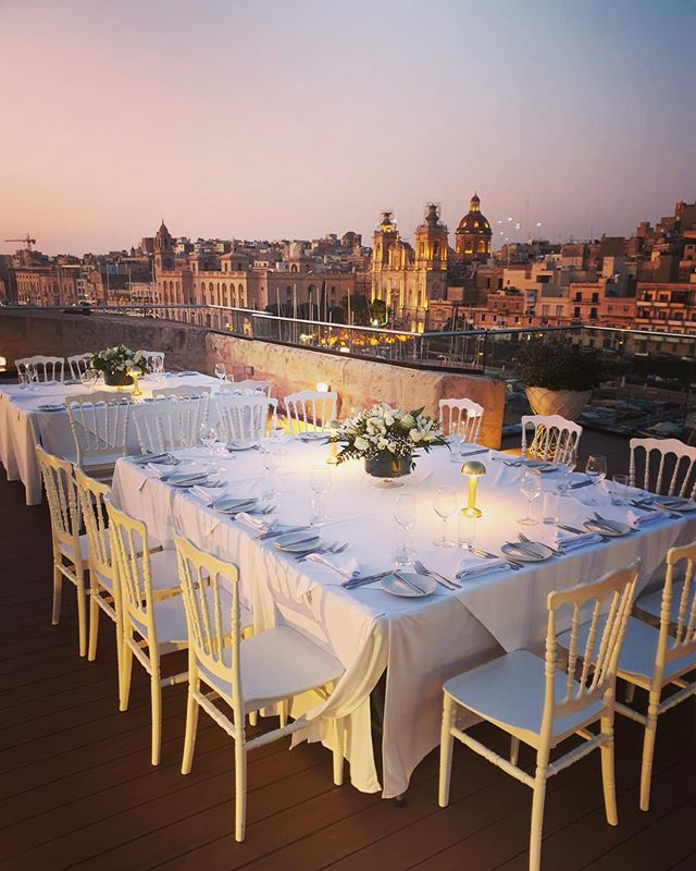 Wow 😲 showstopper!! #eventplanner #senglea #birgu #thesheerbastion #weddingabroad #weddingdestination #eventvenue #dinner #dinnerparty #finedining #malta #maltalife #maltagram #instamalta #corporateevents