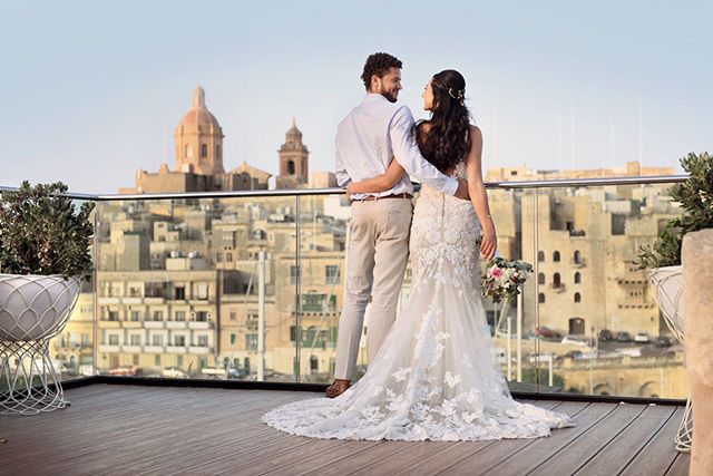 Sparkling ceremonies in an unforgettable setting ✨  #weddingabroad #weddingdestination #wedding #malta #maltesewedding #maltabride #maltagram  #instamalta #bridetobe2021 #eventplanner #eventvenues