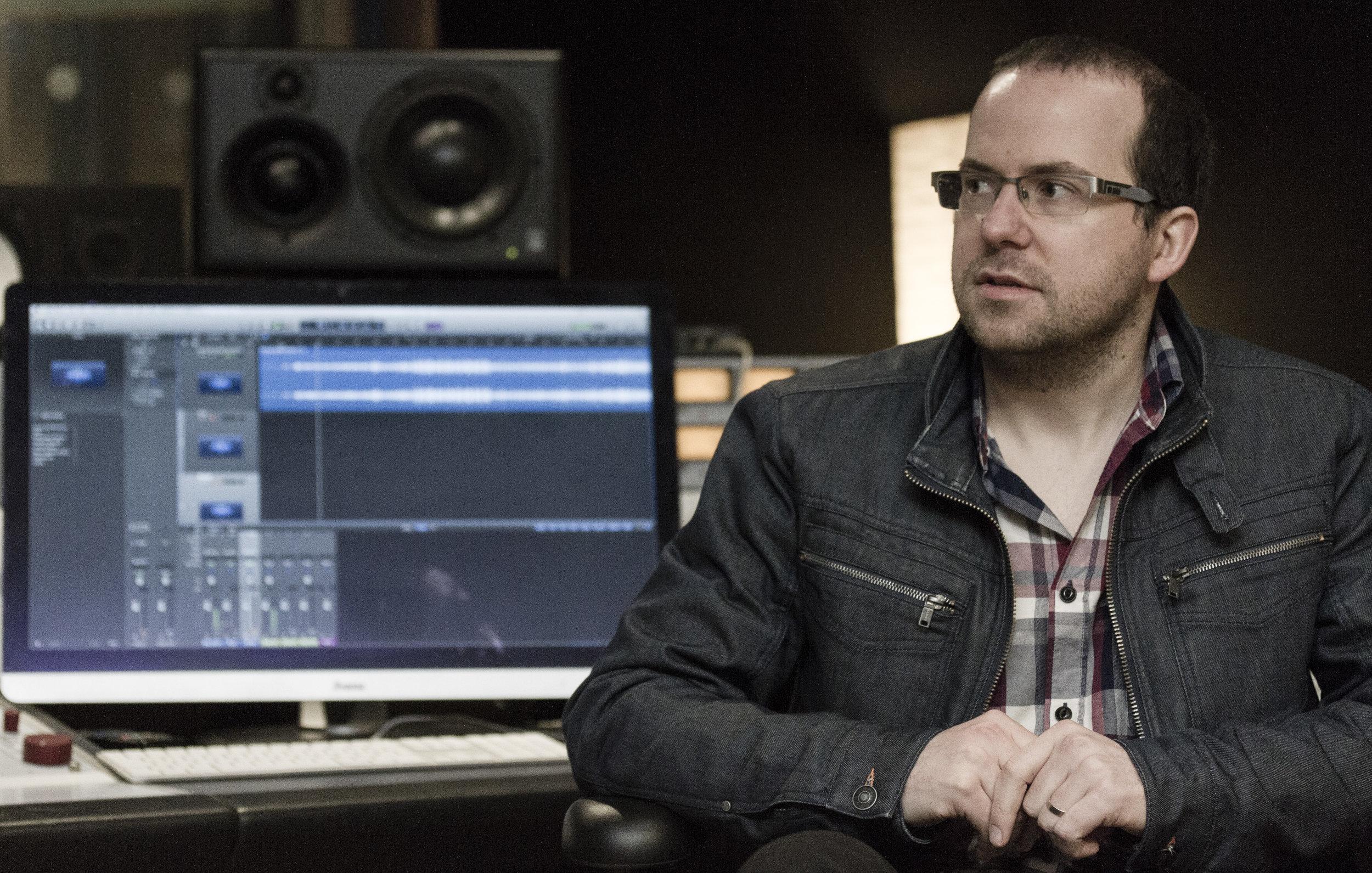 Sam Gallagher in Studio