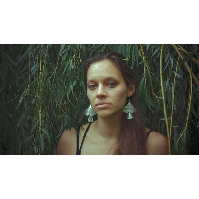 Wish you a beautiful Sunday! Keep in touch with nature 🌱A jeśli jesteś w Poznaniu zapraszamy na targi Mustache @mustachewarsaw ~ It's a portrait of beautiful @elfbless by @grzegorzhospod . . . . . #summer #nature #jewellery #punjewellery #pun #mustachepoznan