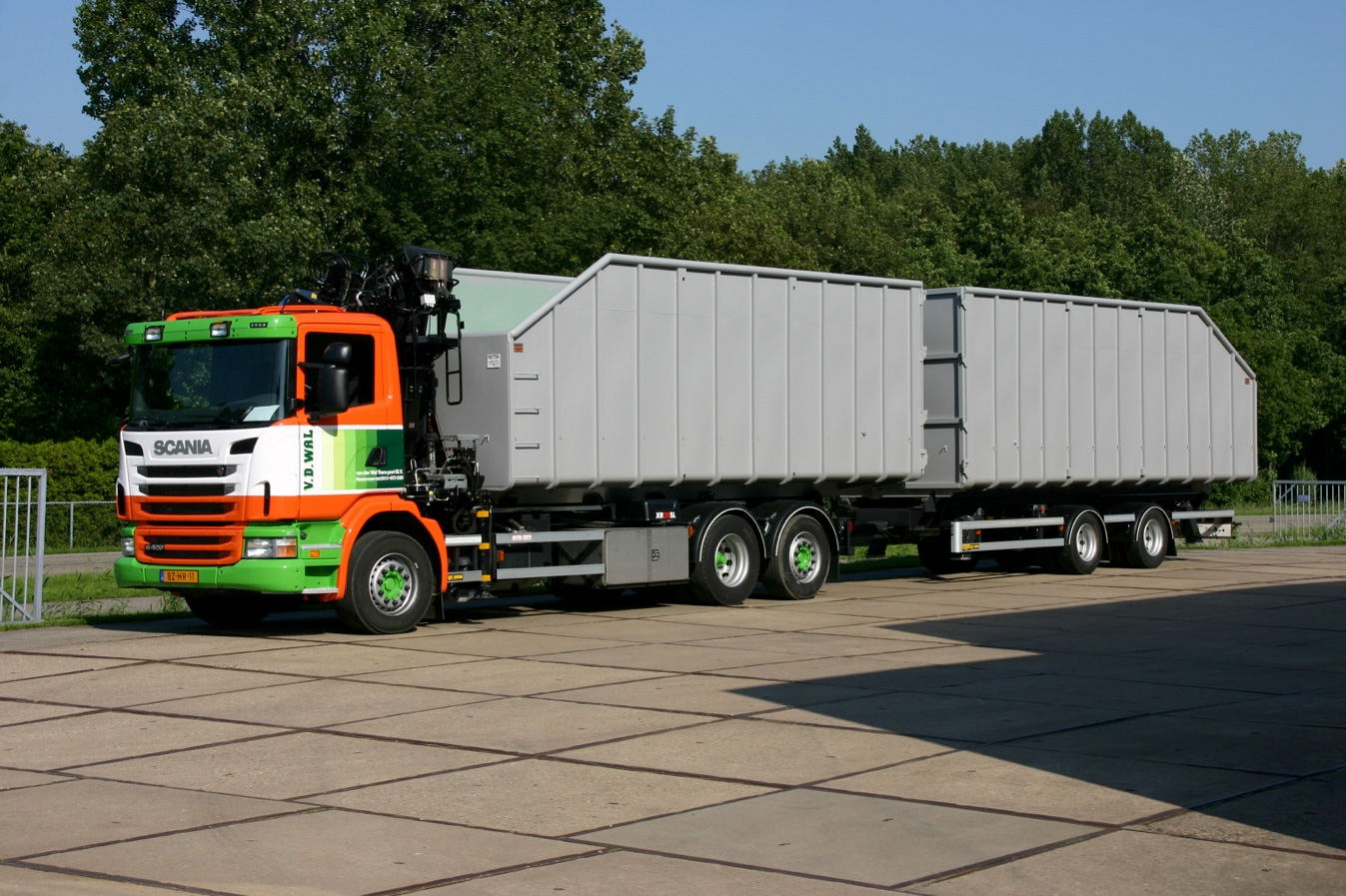 Containersysteem met dubbele oplegger- 500kb.jpg