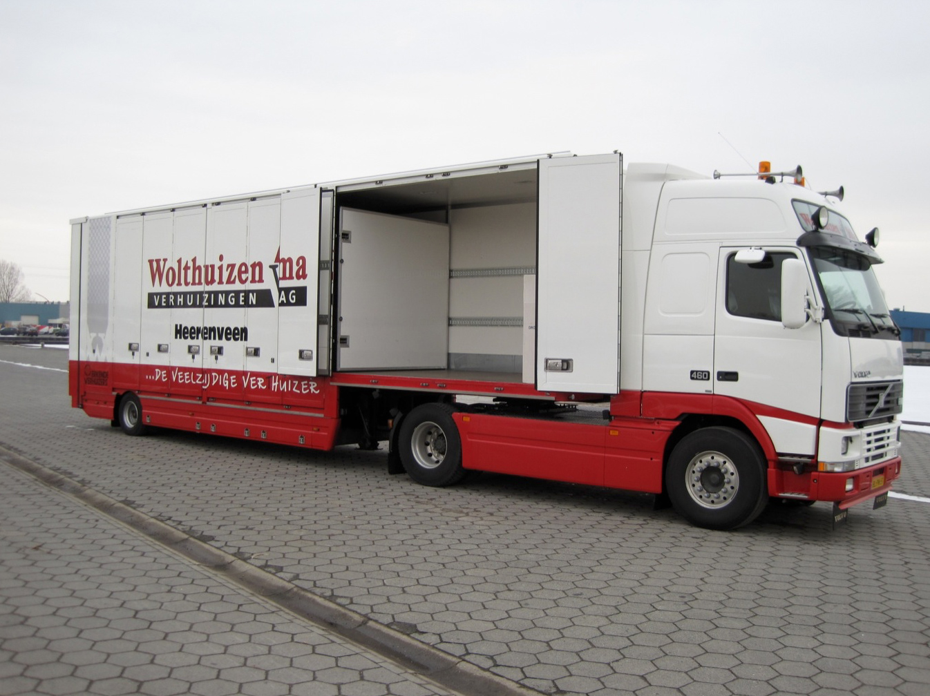 Wolthuizen verhuizingen gesloten carrosserie- 500kb.jpg