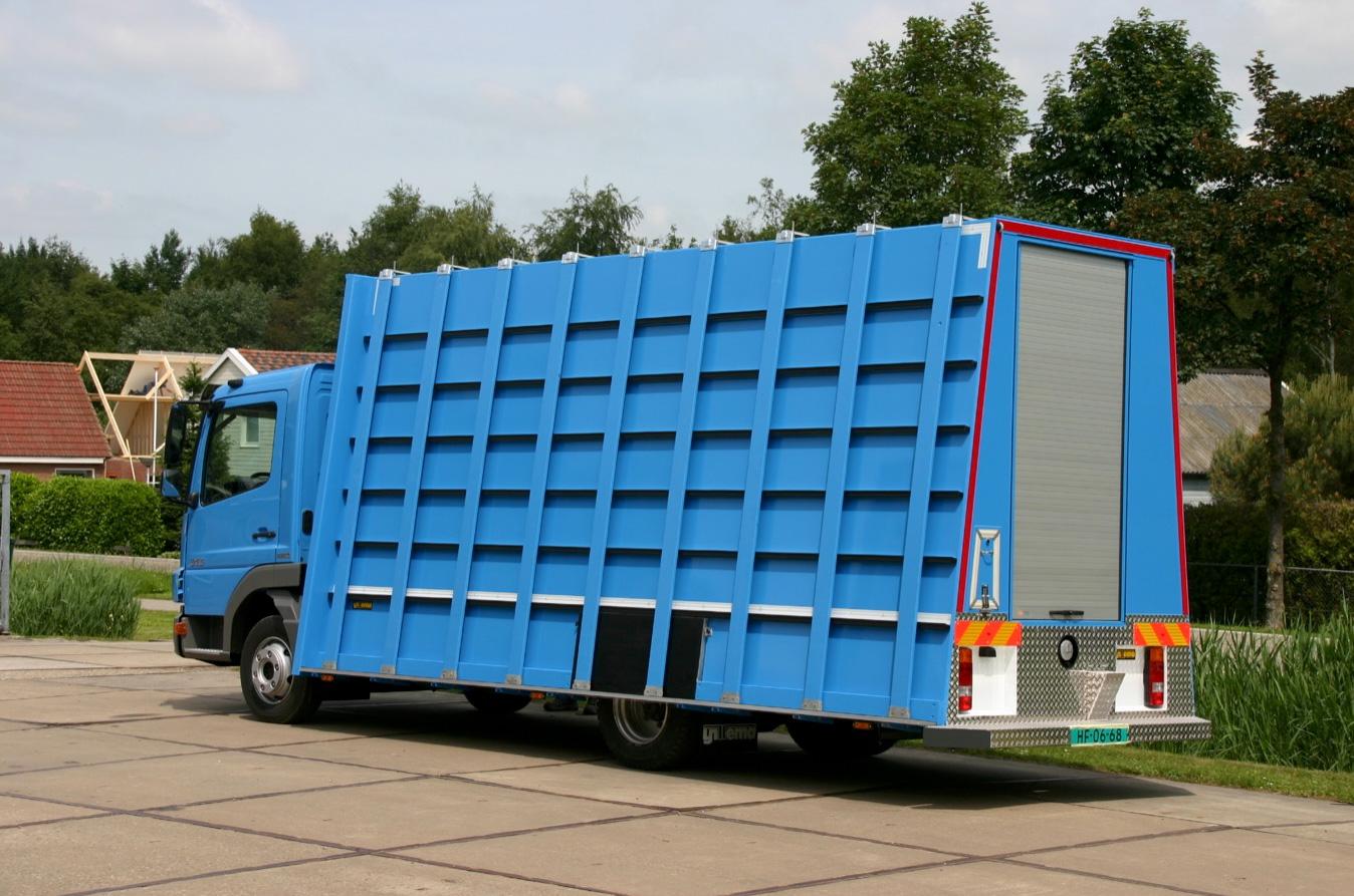 gesloten carrosserie met glasrestelen opbouw- 500kb.jpg