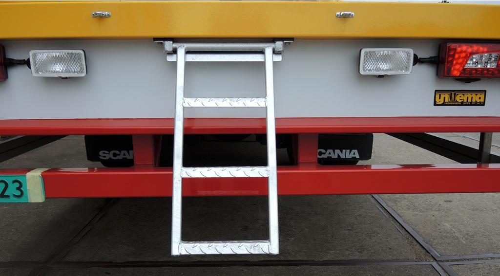 Schuifzeilcarrosserie voor firma Walinga uit Sneek tbv staalvervoer (3 van 4).jpg