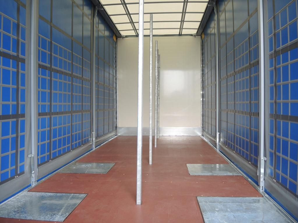 Schuifzeilcarrosserie voor firma EMK Kooiker te Grou (2 van 4).jpg