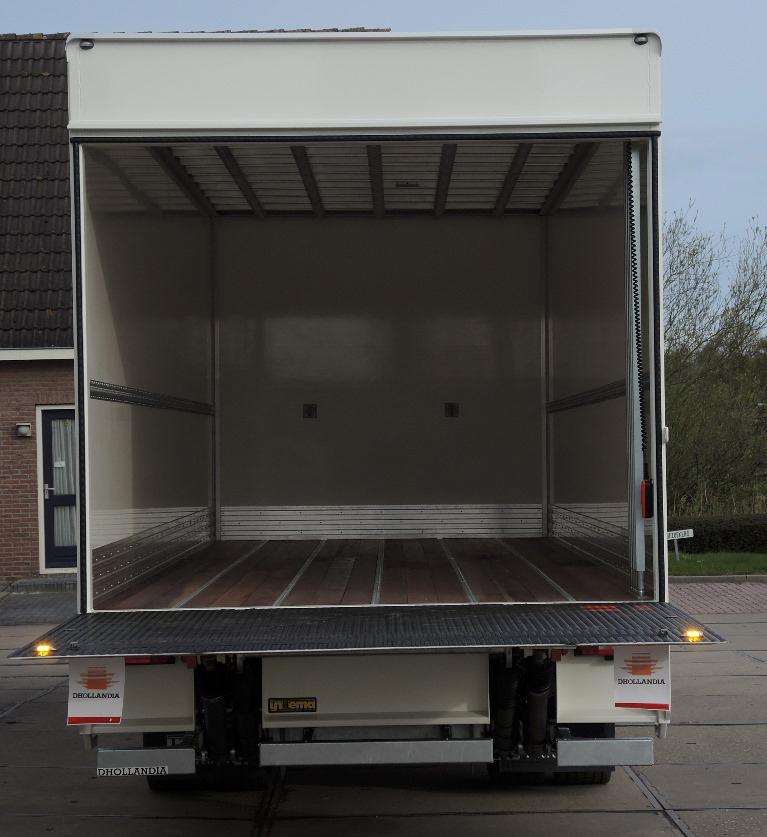 Gesloten plywood carrosserie voor Transportbedrijf Kooiker in Grou  (4 van 6).jpg