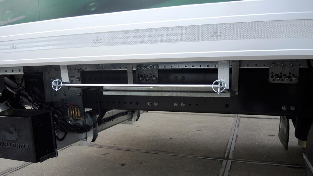 Gesloten plywood carrosserie voor Transportbedrijf Kooiker in Grou  (5 van 6).jpg
