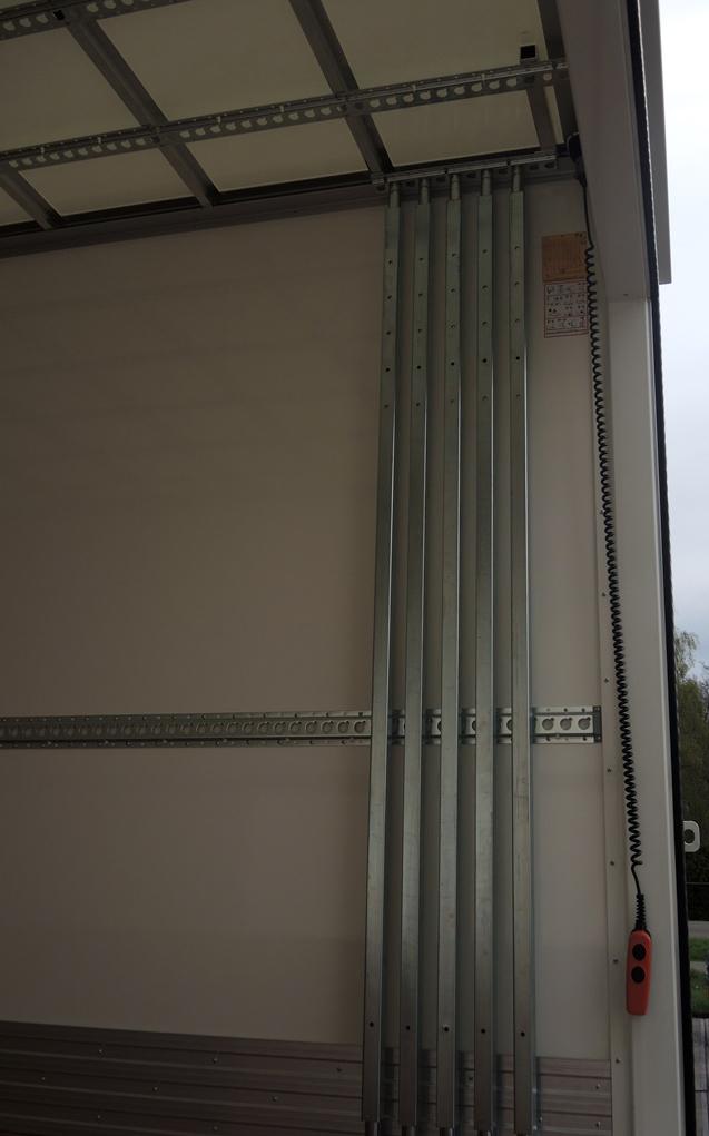 Gesloten plywood carrosserie voor Transportbedrijf Kooiker in Grou  (6 van 6).jpg