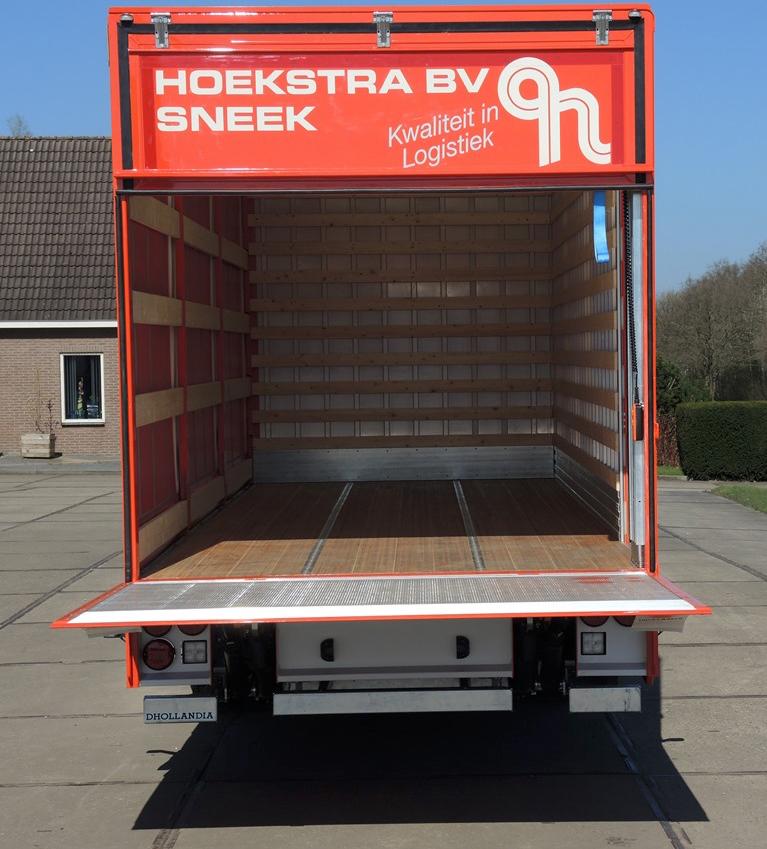 Gesloten carrosserie met aan 1 zijde schuifkleed voor Hoekstra Sneek (3 van 6).jpg